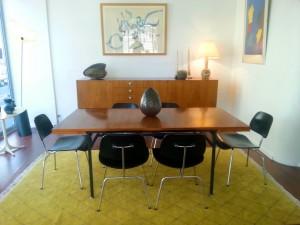 Enfilade et table d'Alain Richard pour Meubles TV - DCM de Charles et Eames