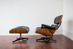 eames_lounge_chair_ottoman_herman_miller_model_670_671_cote_side