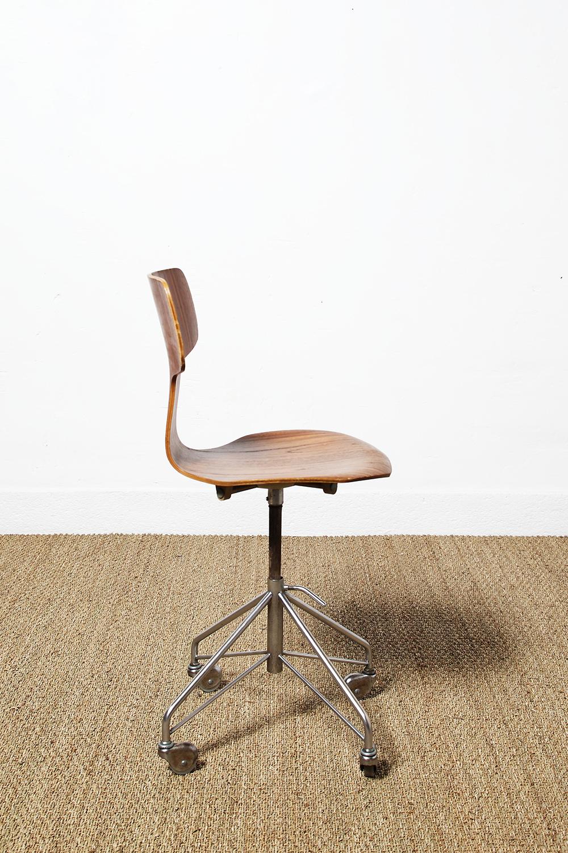 Chaise De Bureau Modele 3103 Par Arne Jacobsen Mggalerie